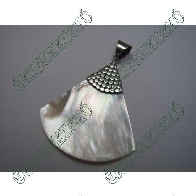 Ezüst gyöngyházas medál