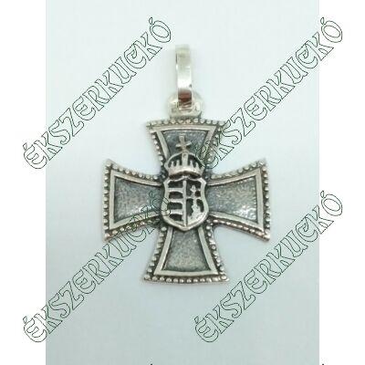 Ezüst antikolt vaskereszt medál címerrel