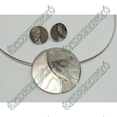 Ezüst fülbevaló és medál szett ezüst nyaklánccal