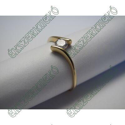 Aranygyűrű, cirkónia kővel