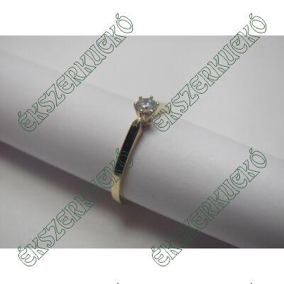 Sárga arany eljegyzési gyűrű cirkónia kővel