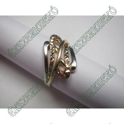 Sárga-fehér-vörös arany vésett gyűrű
